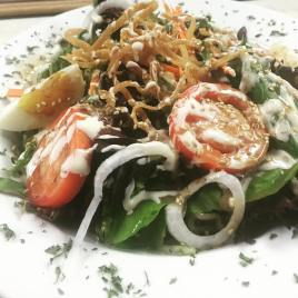 Toki salad with spinach noodles